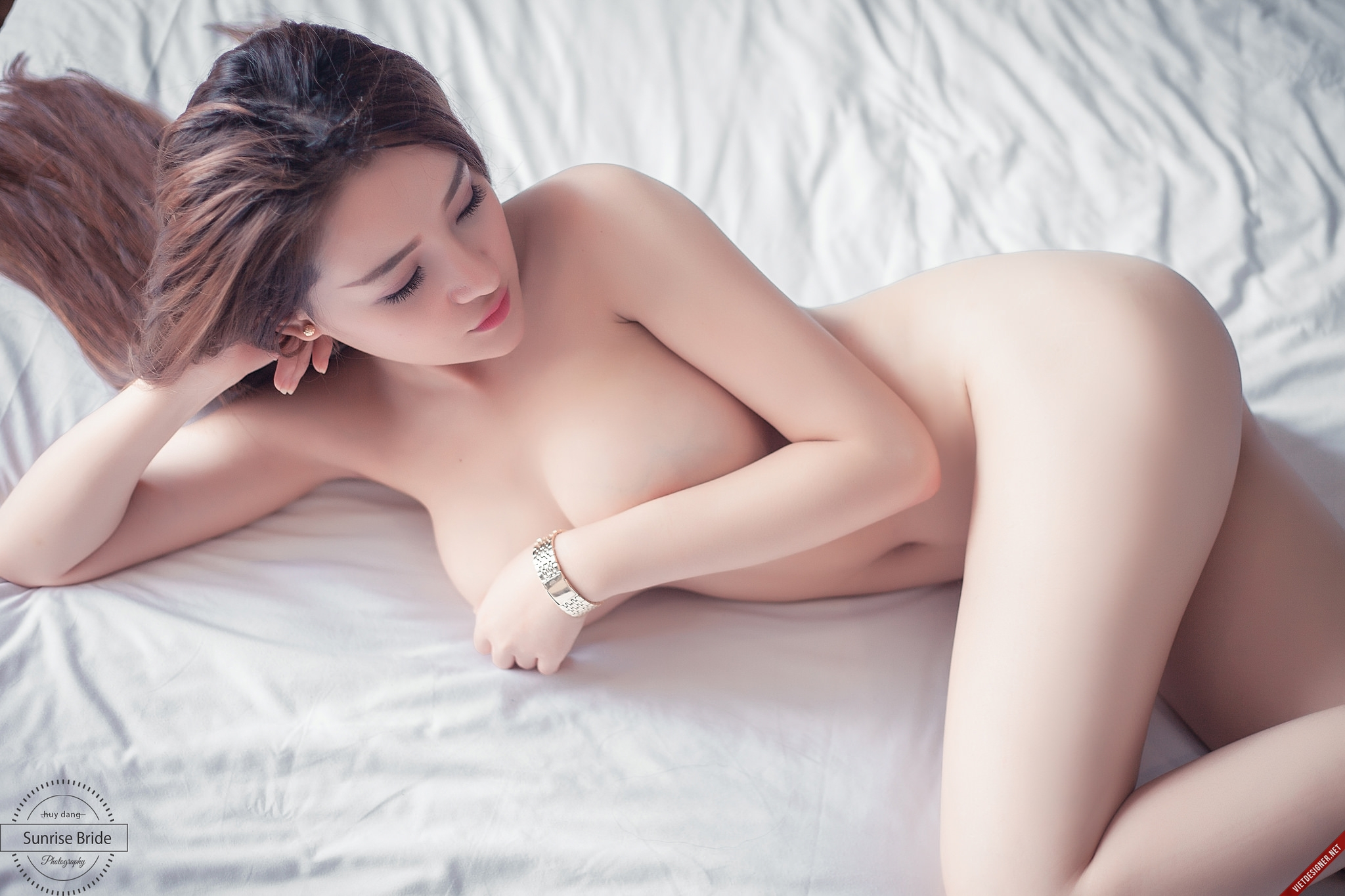 Brunette thai blowjob dick and crempie